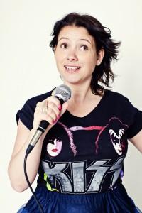 Sara Andersson, komiker. Pressbild 6. Fotograf: Anneli Nygårds.